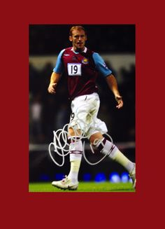 Hand signed picture of West Ham player James Collins