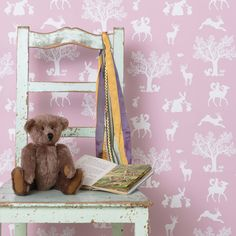 Are you interested in our children's wallpaper for girls? With our woodland forest wallpaper you need look no further.