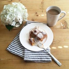 Warm apple strudel with powdered sugar and coffee. Yum! Looks like delicious way to start the day, @mysplendidliving! Thank you for sharing! #CrateStyle #Regram