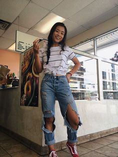 VISIT FOR MORE Nice 44 Magnificient Summer Jeans Outfits Ideas.c The post Nice 44 Magnificient Summer Jeans Outfits Ideas.c appeared first on Outfits. Style Outfits, Cute Casual Outfits, Fall Outfits, Fashion Outfits, Cute Jean Outfits, Fashion Fashion, Womens Fashion, Outfits With Red Vans, Fashion Clothes