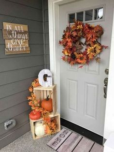 You don't need to feel as if you require a truckload of elements for fall porch decor. When choosing from different fall porch decors Fall Home Decor, Autumn Home, Holiday Decor, Front Door Decor, Front Doors, Porch Wall Decor, Front Hallway, Room Decor, Porch Decorating