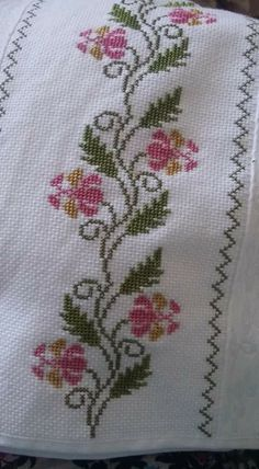 This Pin was discovered by Zmt Cross Stitch Boarders, Cross Stitch Flowers, Cross Stitch Designs, Cross Stitch Patterns, Canvas Template, Bargello, Christmas Cross, Blackwork, Cross Stitch Embroidery