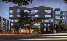 Fougeron Architecture has completed an urban residential building in San Francisco that features faceted facades covered with wooden grey rods Architecture Design, Mix Use Building, Building Ideas, San Francisco Design, New Condo, Small Buildings, Condos For Sale, Sans Serif, House Styles