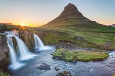 Kirkjufell just after midnight West Iceland [OC] [5657x3771] -Please check the website for more pics