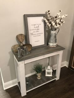 DIY Wall / Console Table, easy and inexpensive home décor project. DIY Wall / Console Table, easy and inexpensive home décor project. Diy Entryway Table, Sofa Table Decor, Hallway Table Decor, Accent Table Decor, Table Decor Living Room, Home Living Room, Accent Tables, Entry Table Farmhouse, Entryway Table Decorations