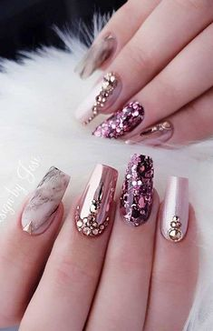 Nail art Christmas - the festive spirit on the nails. Over 70 creative ideas and tutorials - My Nails Ongles Bling Bling, Rhinestone Nails, Bling Nails, Sparkly Nails, Best Nail Art Designs, Acrylic Nail Designs, Nail Art Strass, Jolie Nail Art, Nagel Bling