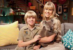 Steve Irwin's son Robert, 10, keeps his cool as he handles live ...