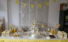 Le Candy Bar - Sweet Table etc: Sweet table - Jaune et Gris
