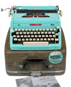 1956 Turquoise Royal Quiet De Luxe Typewriter with Original Case / Professionally Serviced with New Ribbon