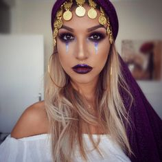 Looking for Best DIY College Halloween Costume Ideas? Get your hands on the finest Halloween costumes for college & college couple Halloween costume here. Game Costumes, Couple Halloween Costumes, Halloween Outfits, Easy Halloween, Women Halloween, Costume Ideas, Christmas Costumes, Party Costumes, Christmas Makeup