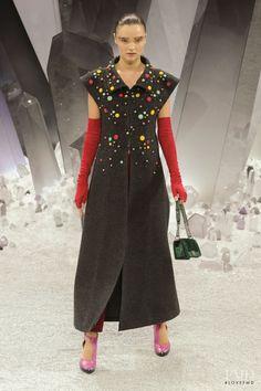 Photo feat. Miranda Kerr - Chanel - Autumn/Winter 2012 Ready-to-Wear - paris - Fashion Show   Brands   The FMD #lovefmd