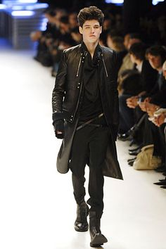 Dior Homme Fall 2007 Menswear - Collection - Gallery - Look 1 - Style.com