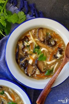 Hot and sour soup (酸辣汤) | Red House Spice