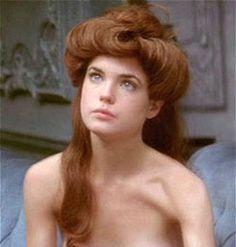 elizabeth-mcgovern-nude-pic