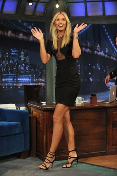 "Maria Sharapova Photos - Maria Sharapova visits ""Late Night With Jimmy Fallon"" at Rockefeller Center on August 2012 in New York City. - Maria Sharapova & Liv Tyler Visit ""Late Night With Jimmy Fallon"" Great Legs, Nice Legs, Maria Sharapova Hot, Maria Sarapova, Tennis Players Female, Tall Women, Beautiful Legs, Sexy Feet, Beautiful Celebrities"
