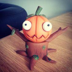 Sir Treestump Pumpkinton by Dee Raa Arts polymer clay cute kawaii halloween spooky creepy pumpkin tree stump sculpey fimo https://www.facebook.com/DeeRaaArts