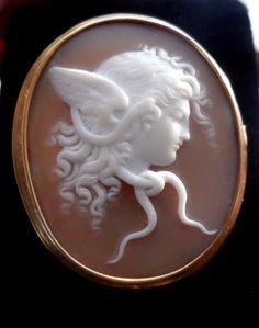 X-tra Fine Antique Shell Cameo Brooch of Medusa 14k