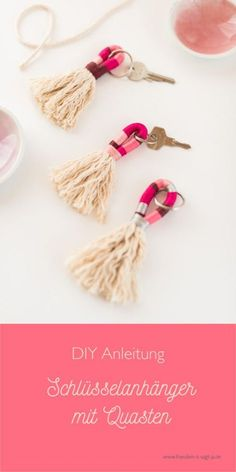 Tassels Keychain DIY Instructions - Miss K. Says Yes - It& so easy to make your keychain! Tassels Keychain DIY Instructions www. Diy Jewelry Rings, Diy Jewelry Unique, Diy Jewelry To Sell, Diy Jewelry Holder, Diy Jewelry Making, Stylish Jewelry, Keychain Diy, Tassel Keychain, Keychain Ideas
