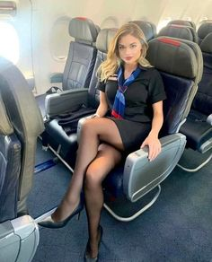 Pantyhose Legs, Nylons, Beautiful Legs, Gorgeous Women, Flight Attendant Hot, Flight Girls, Stockings Heels, Black Stockings, Sexy Older Women