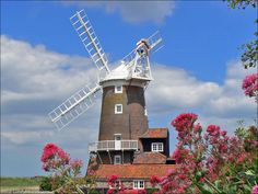 Cley Windmill - early Century mill on the North Norfolk coast & a fabulous place to stay Norfolk Coast, Scenery Pictures, Water Mill, Water Tower, Isle Of Wight, Great British, Le Moulin, Nature Reserve, Beautiful Buildings