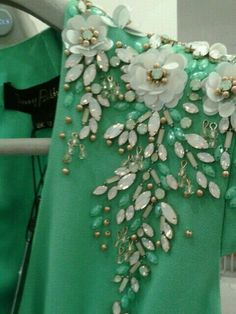 Ideas Embroidery Ideas Clothes Applique Designs For 2019 Couture Embroidery, Ribbon Embroidery, Embroidery Patterns, Tambour Beading, Couture Details, Fashion Details, Fabric Manipulation, Mode Style, Creations