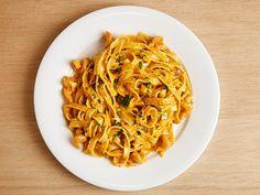 シュリンプ・クリームソース - ピューレしたエビの深い味わいと香りが食欲をそそるクリームソース Quick Pasta Sauce, Confort Food, Asian, Japanese Food, Pasta Recipes, Italian Recipes, Tea Time, Noodles, Slow Cooker