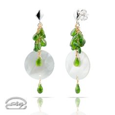 "Orecchini Madreperla e Tsavorite - oro 18kt - Earrings: Mother of Pearl and Tsavorite - gold 18kt - Precious Jewelry - Jewels - Silvia Kelly Gioielli ""The Made in Italy - Italy - www.quelchevale.it"