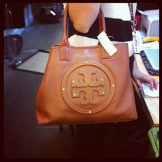 brand new and lastest tory burch bags collections for you!