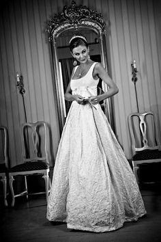 Clothing: Brudehuset - Sjuls Design  Picture: Maciej Krawczyk Wedding Fair, Wedding Gowns, Wedding Ideas, Picture Design, News Design, One Shoulder Wedding Dress, Photoshoot, Future, Clothing