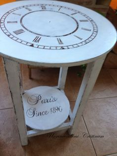 Mesa camilla... ahora mesa reloj Diy Decoupage Furniture, Painted Furniture, Right Angle Shapes, Shaby Chic, Mind Benders, Clock Decor, Antique Clocks, Interior Design Inspiration, Home Goods