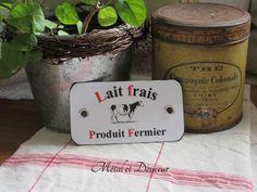 Etiquette métal vintage d'épicerie rouge et noire « Lait frais» : Accessoires de maison par metal-et-douceur