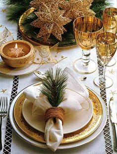 Simple Gold And White Christmas Design Image