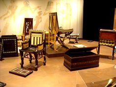 Ancient Egyptian furniture from Tutankhamun´s children years Ancient Egyptian Artifacts, Egyptian Pharaohs, Ancient History, Turin, Egyptian Decorations, Egyptian Furniture, Photos Of Eyes, Visit Egypt, Furniture Decor