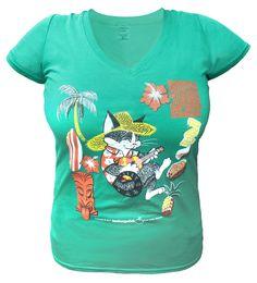 Voici le t-shirt officiel de votre été 2017! Le chat Kiti tiki kat comfortablement installé à l'ombre d'un cocotier fredonnant sa mélodieuse chanson en jouant de son ukulele. Coton Biologique, Officiel, Voici, T Shirt, Boutique, Mens Tops, Women, Fashion, Coconut