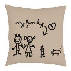 """Cojín con ilustración de Misedades """"My Family"""""""