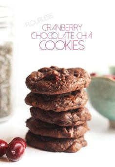Flourless Cranberry Chocolate Chia Cookies recipe! These would be so Delicious!! So simple to make too with just basic ingredients! Perfect for christmas (and any other time of year!). They are also have NO butter, no refined sugar, & no flour, and are Vegan  and Paleo !! #Vegan #cookies #paleo #flourless (comment by @paigeydoll1 )