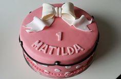 Homemade by MI: Matildan 1 v. kakku / Matilda's 1st birthday cake
