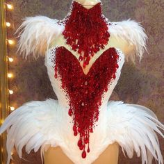 #паетки #красный #белый #saquins #white #feathers #red