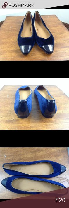 talbots size 9 N Shoes velvet flats leather sole excellent used condition  Blue velvet shoes with blue patent leather accents  Size 9 N  Leather soles  Please note there is writing on one of the soles of the shoes. Price reflects this defect on these otherwise excellent quality shoes. Talbots Shoes Flats & Loafers