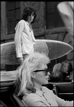 """zombiesenelghetto: """" Joey Ramone and Debbie Harry, Mutant Beach Monster Party, photo by Tom Hearn 1977 """" """"This picture were taken on the location; of the opening scene, which was the street just outside the door of Chris and Debbies loft. Blondie Debbie Harry, Ramones, Joey Ramone, Beatles, Punk Magazine, Mazzy Star, Cinema, The Clash, Post Punk"""
