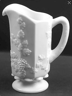 Westmoreland Grape Panel Pitcher to go with my teacups and played