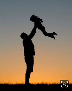 Art Discover Daddy& little girl silhouette edit Daddy Daughter Pictures Dad Daughter Father And Son Mom And Dad Back Tattoo Women Cute Baby Pictures Daddys Little Girls Fathers Day Crafts Papi Cute Images For Dp, Cute Baby Pictures, Pictures To Draw, Daddy Daughter Pictures, Dad Daughter, Silhouette Photography, Back Tattoo Women, Girl Silhouette, Daddys Little Girls
