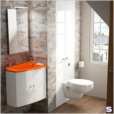 Badmöbel Nereus - SEBASTIAN e.K. – Asymmetrisch. –  Ein asymmetrisches Badmöbel, um den Raum zu befreien. Nereus wurde gestaltet, um einer Tür Platz zu geben. Die freche Form in Kombination mit der frischen Farbgebung peppt Ihr Gäste-WC so richtig auf.  Bei Nereus können Sie sich zusätzlich für eine Möbeleinheit für Ihr Hänge-WC entscheiden. Der Spülkasten ist inklusive und Sie können diese Einheit auch als Einbauschrank nutzen.
