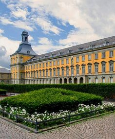 University of Bonn, North Rhine-Westphalia, Germany | by Ralf Farwick