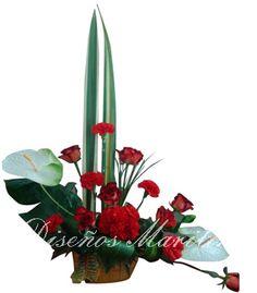 Arreglo con rosas rojas 2
