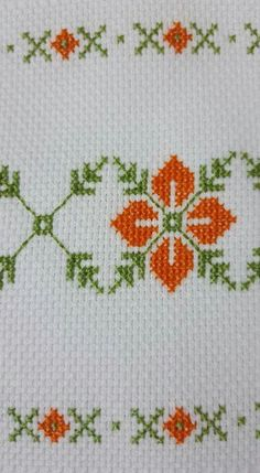 This Pin was discovered by Zeh Biscornu Cross Stitch, Cross Stitch Books, Cross Stitch Art, Cross Stitch Borders, Cross Stitch Flowers, Cross Stitch Designs, Cross Stitching, Cross Stitch Embroidery, Cross Stitch Patterns