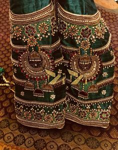 Latest Jeweled Blouse designs for 2019 Wedding Saree Blouse Designs, Pattu Saree Blouse Designs, Silk Saree Blouse Designs, Embroidery Designs, Embroidery Stitches, Zardozi Embroidery, Indian Embroidery, Hand Embroidery, Designer Blouse Patterns