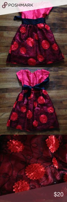 Kids Christmas dress Use 4 supper cute used once great condition Dresses Formal