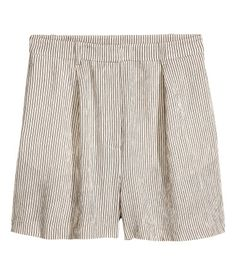 Natural white/striped. High-waisted shorts in woven fabric with a zip fly and hook-and-eye fasteners. Side pockets and  mock back pocket.