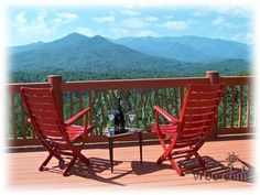 Luxurious Isolated Mountain Escape with Outdoor Hot Tub and Spectacular Views - Franklin North Carolina Cabins, Secluded Cabin, Smoky Mountain National Park, Outdoor Chairs, Outdoor Decor, Beautiful Inside And Out, Log Homes, Tub, National Parks